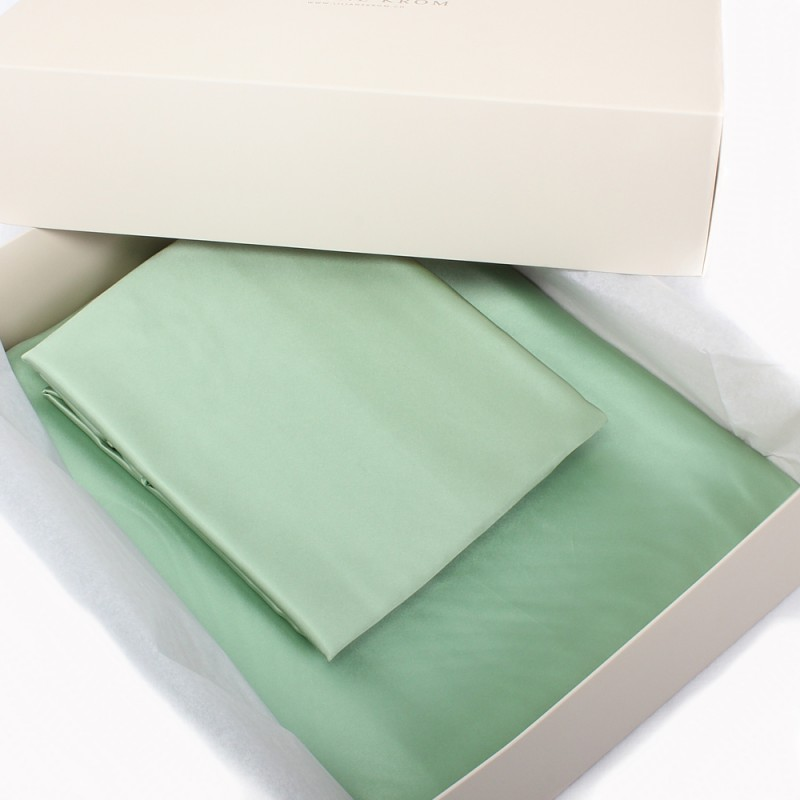 Einzelstück: Seidenbettwäsche Set hellgrün 160x210cm